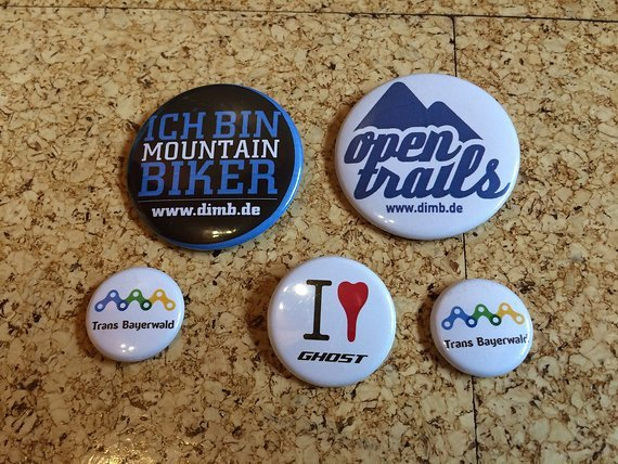 Ghost diverse MTB Pins (Ghost, TransBayerwald, DIMB)