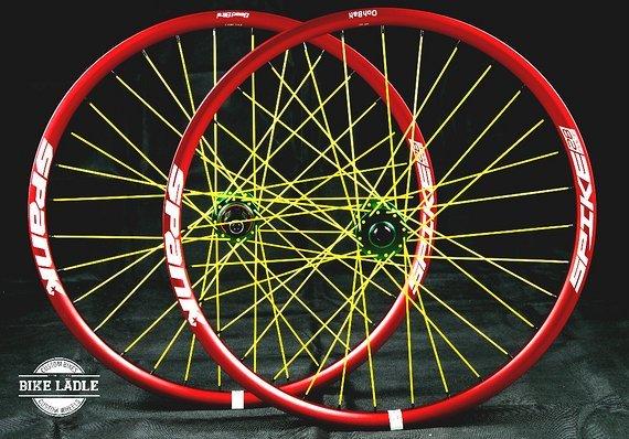 Spank Spike 28 Race EVO Laufradsatz mit NOA-Bl-EVO-1 Naben / Bike-Lädle Laufradbau Noahubs