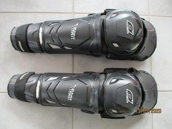 O'Neal Tyrant  Knee -Skin  Schützer  Protektor L-XL  DH FR MX Neu