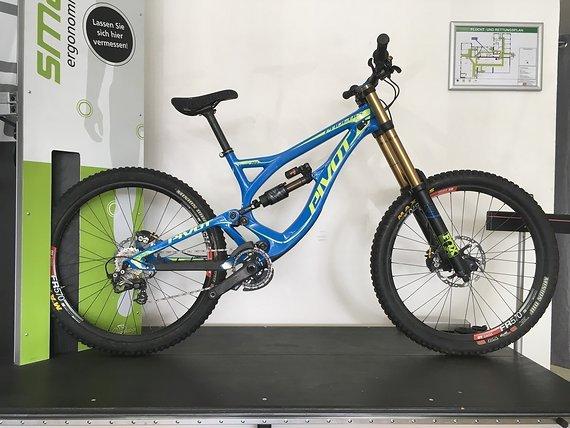 Pivot Phoenix DH Carbon Saint Bike, 2017 ,Gr:M, UVP:7999 Euro