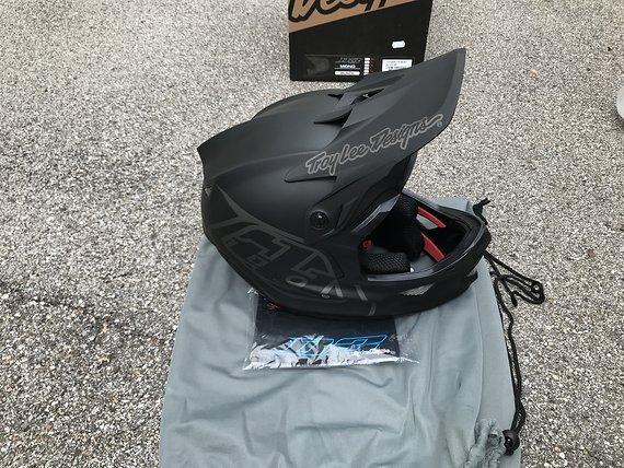 Troy Lee Designs D3 Fiberlite Helm