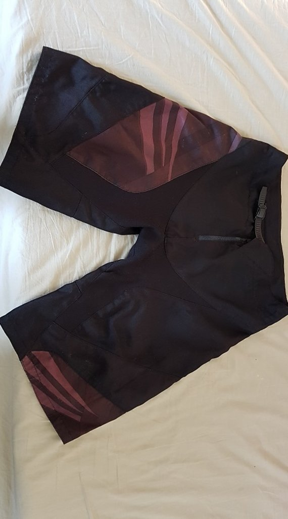 Dakine Shorts in Größe 34