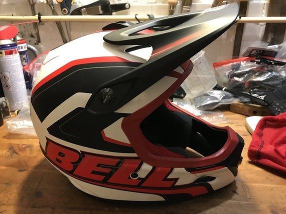 Bell Helmets Bell Transfer - 9 Fullfacehelm weiß/rot/schwarz