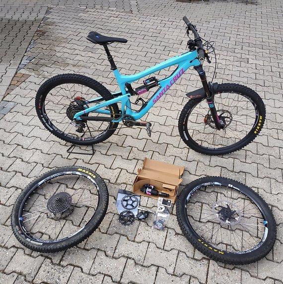 Bike mit 2. Laufradsatz und einiges Zubehör