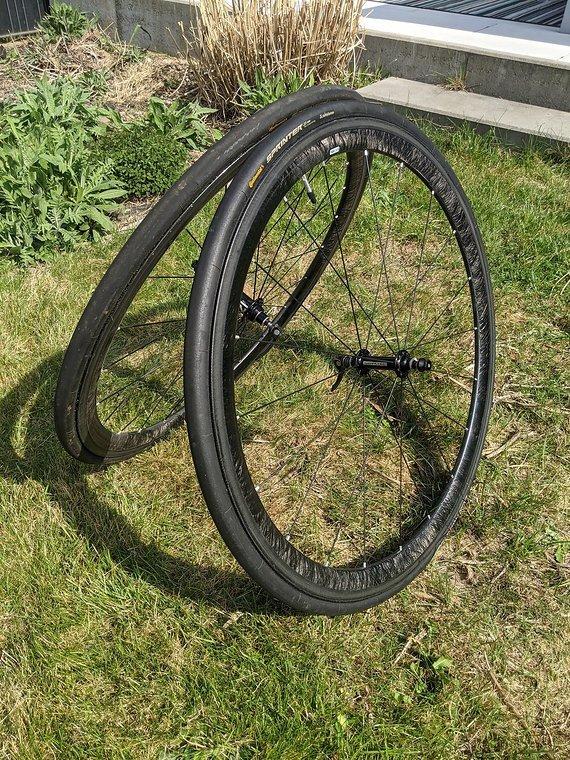 Carbon-Lrs Mit Novatec Naben Komplett-Laufradsatz mit Reifen