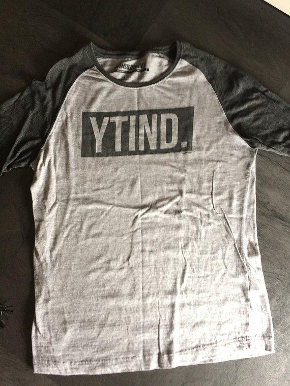 YT Industries Baseball Shirt Size S Box Raglan Tee