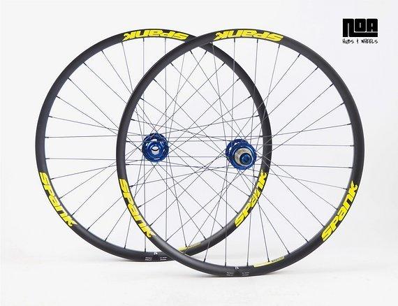 """Spank Spike 33 Race / Team Laufradsatz 26"""" / 27,5"""" mit NOA-BL-EVO DH / Boost Naben / Bike- Lädle Laufradbau / Noahubs"""