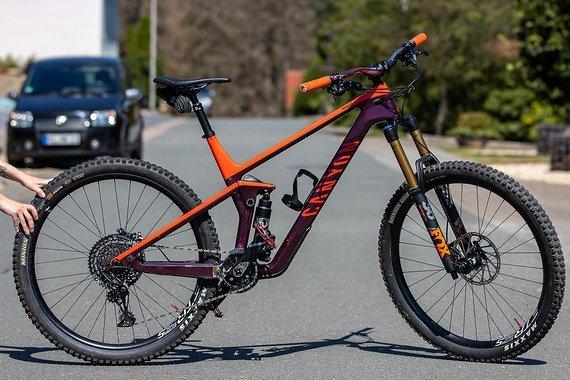 Canyon Strive Custom Fox- Grip2, Neuwertig