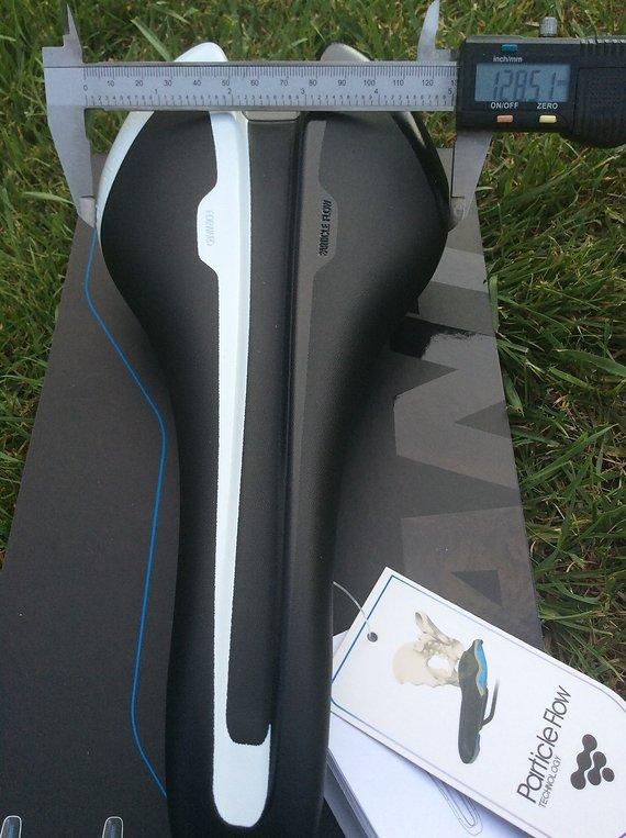Giant SLR Forward Sattel mit Carbon Rails OVP