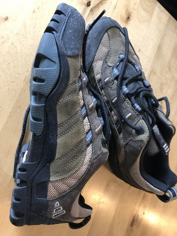 Adidas Klickpedal Schuhe 42 UK 8  Bike Schuhe mit Klickpedal Platte  sehr guter Zustand