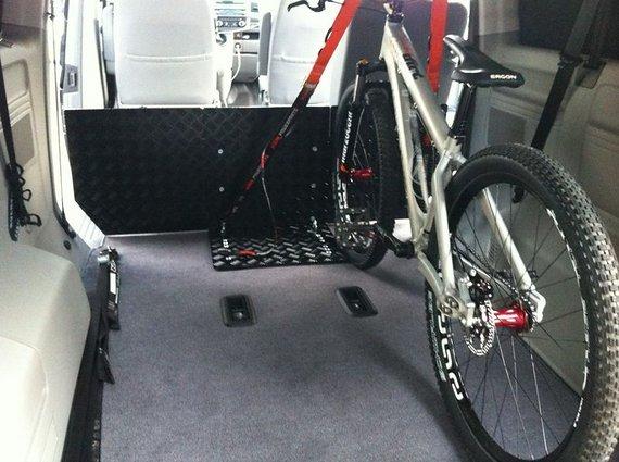 MWP Fahrrad Halteplatte für VW T5 / T6 Caravelle