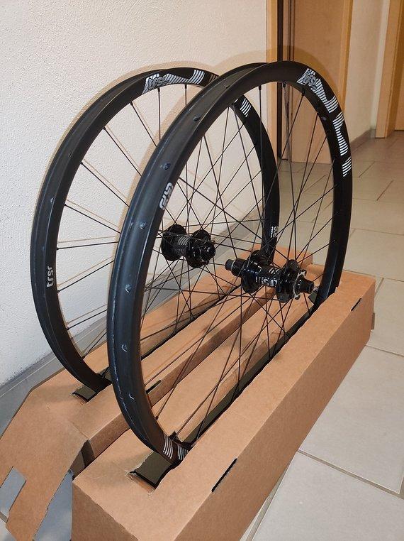 E*thirteen e thirteen Boost Carbon TRSR Laufradsatz 27,5