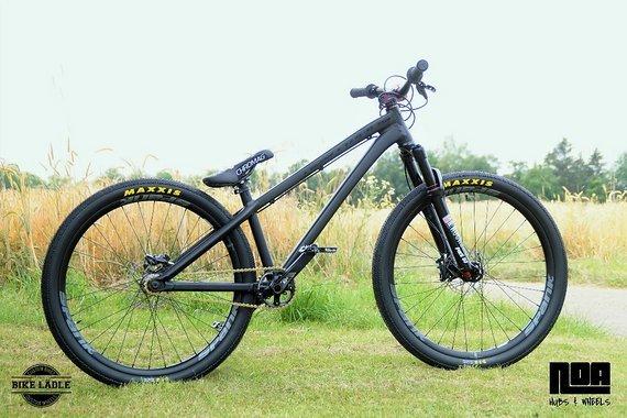 Dartmoor Two6Player Custom Dirt / Street Pumptrack-Bike Rock Shox Pike DJ, Spank Spike 33 ,Sram GX , Spank ,KMC gold
