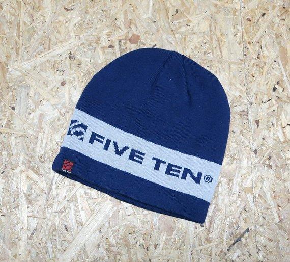 Five Ten Beanie Mütze schön warm NEU