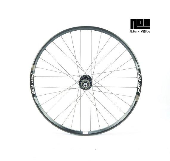 "Noa Dirty First Singlespeed Hinterrad 26"" mit Noa-BL-EVO SSP Nabe / Bike-Lädle Laufradbau / Noahubs"