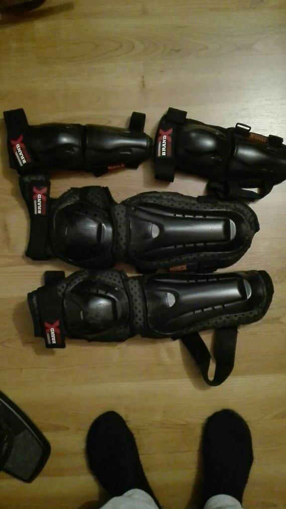 Brand X Knie/Schienbein Protektoren