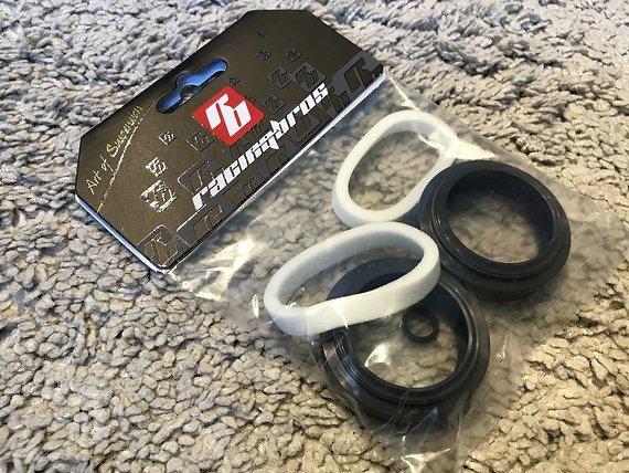 Racingbros Modi Low Friction Abstreiferset 35mm (Rock Shox Boxxer + Lyrik bis 2015)