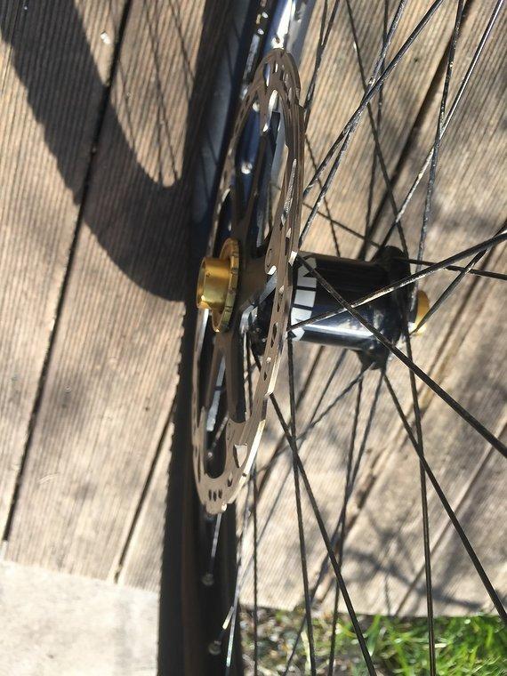 """Shimano 26"""" nicht mehr ganz sauberer Laufradsatz"""