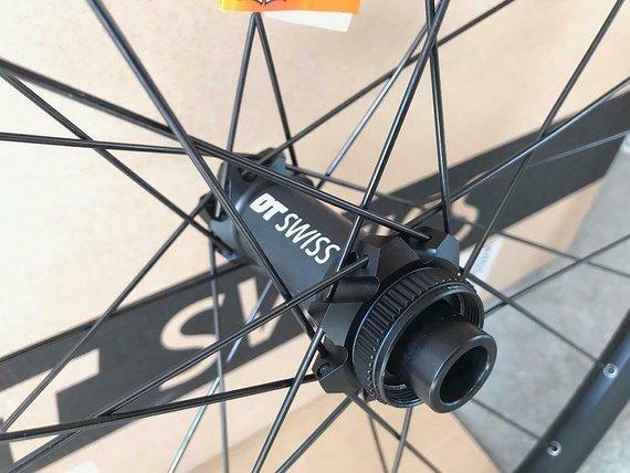 DT Swiss X1900 wheelset, 27.5 inch, 25mm internal width