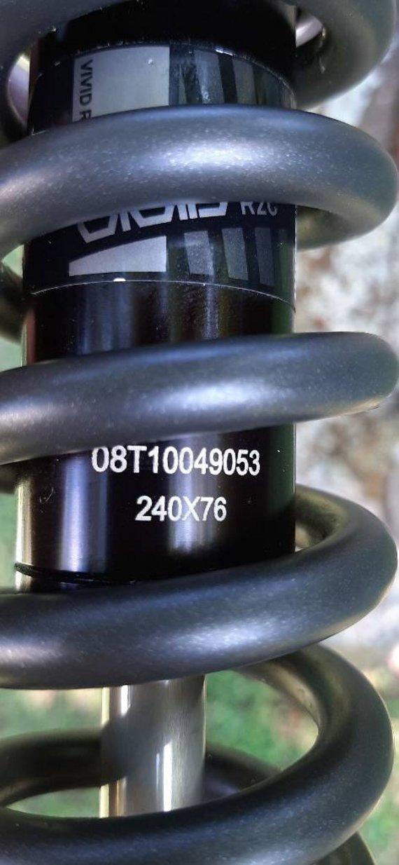 RockShox Vivid R2C Coil 240x76