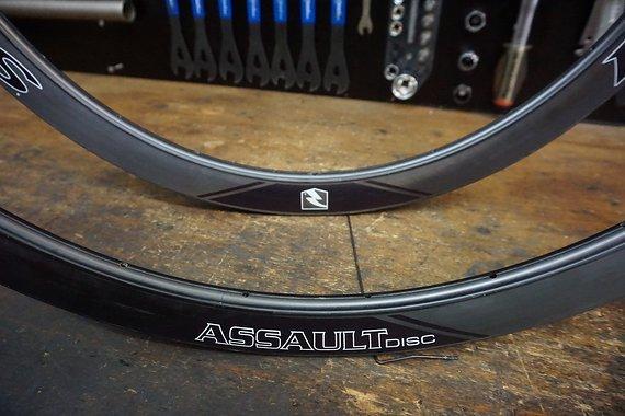 Reynolds Assault SLG 41mm Disc 24/24L Carbon-Tubular-Felgensatz