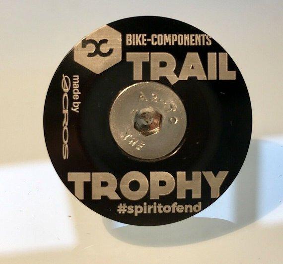 Trail Trophy Ahead-Kappe