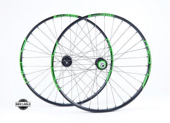 """Notubes ZTR Flow MK3 Laufradsatz 26"""" / 27,5"""" / 29"""" mit Hope Pro 4 EVO Naben / Custom Decals Farbe wählbar / Bike-Lädle Laufradbau"""
