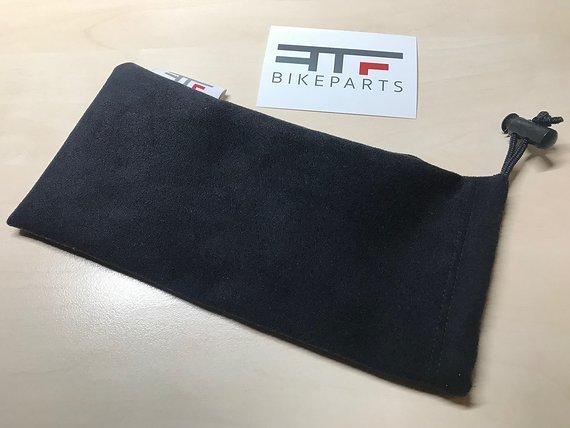 Rtf Bikeparts Brillensäckle mit integriertem Putztuch