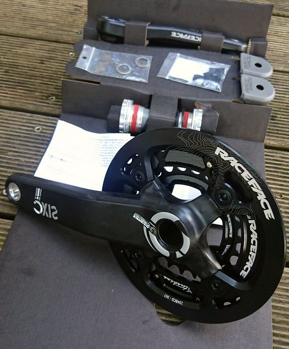 Race Face Six C Carbon Kurbelset 24-36-Bash 175mm, BSA, NEU !!