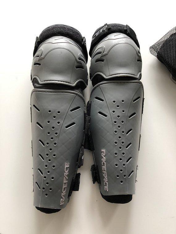 Race Face DIY womens Leg Protection Knieschoner Gr. S