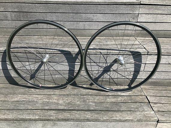 White Industries Leichter Radsatz für Campagnolo