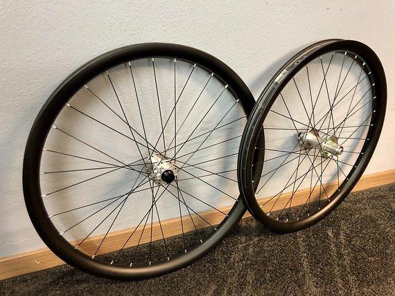 """Noa DHC Carbon Laufradsatz 27,5"""" Hope Pro 4 EVO / Bike Lädle"""