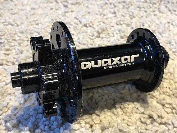 Quaxar Nabe VR 32 Loch schwarz Schnellspanner *NEU*