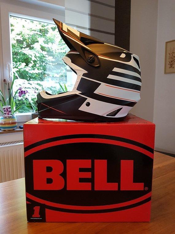Bell FULL 9 Carbon Helm Gr. XL (fällt kleiner aus) neuwertig