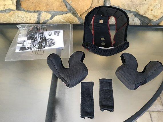 Bell Helmets Full 9 Nine Fullface Downhill Helm gebrauchte Ersatzpolster