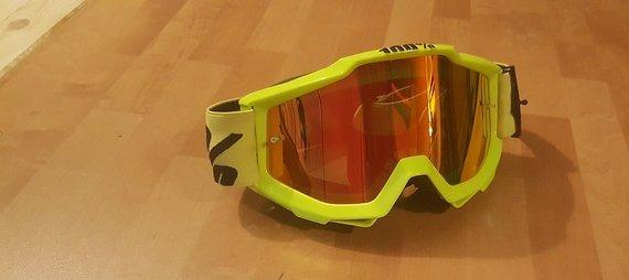 100% Accuri Motocross oder Downhill Brille