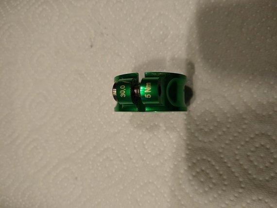 Tune Schraubwürger 30mm grün