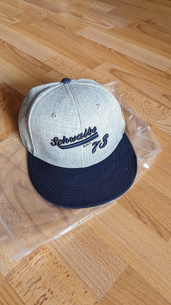 Schwalbe '73 Cap Cappy grau/blau SnapBack unisize