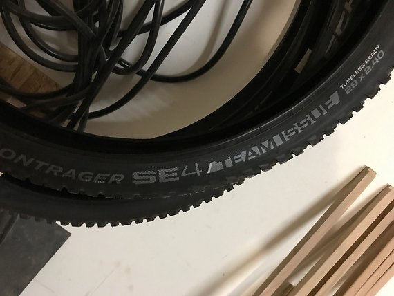 Bontrager SE4 Team Issue 29 x 2.4 neu