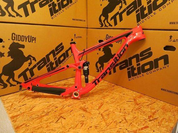 Transition Bikes 2017 Scout Carbon inkl. Rock Shox Monarch RT3 - Größe M