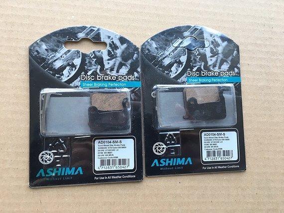 Ashima Semi Metal Bremsbelagssatz (4 Einzelbeläge) für Shimano Scheibenbremsen