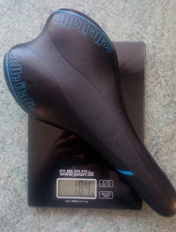 Selle Italia Sattel schwarz-blau 184 gr