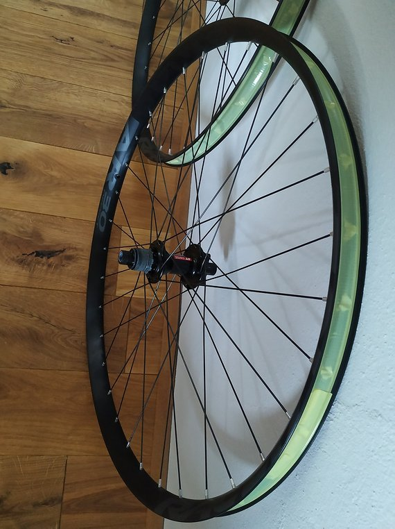 "Race Face, Dt Swiss 29"" wheelsets boost"