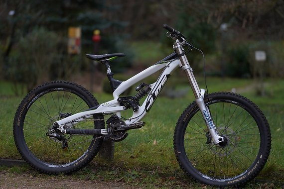 YT Industries Tues 2012