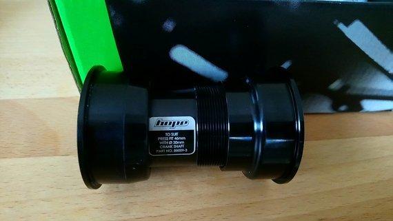 Hope Pressfit Press Fit 30 Tretlagergehäuse (46 mm Durchm.)