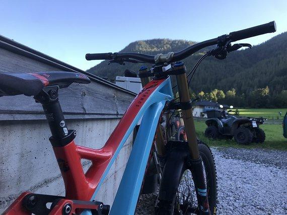 Mondraker Summum Pro carbon team 2019