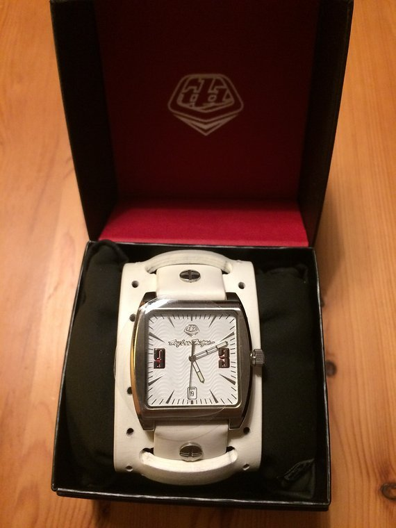 Troy Lee Designs Uhr made by Timex