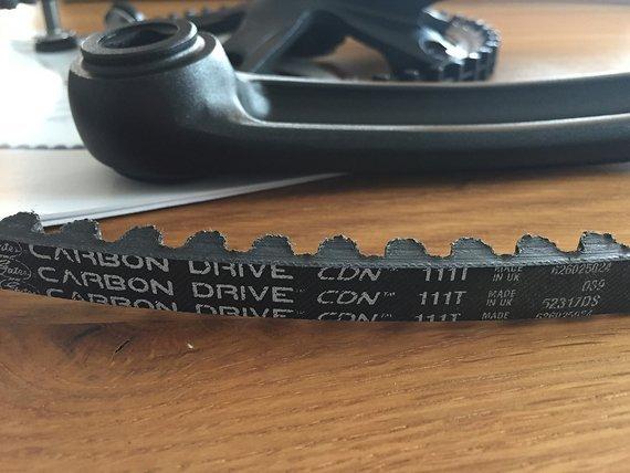 Gates Carbon Drive Gates CDN Kurbel (170mm) / Zahnblatt 46T / Gates Riemen 111 Zähne inkl. Versand