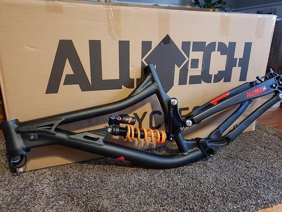 Alutech Sennes 2.0 FR / DH--Freeride / Downhill (ohne Dämpfer!)