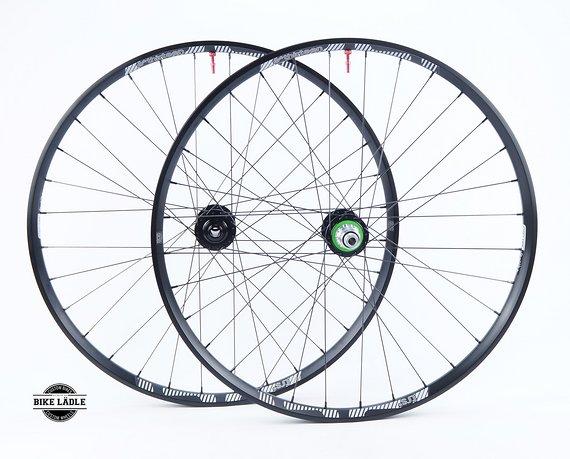 "E*thirteen TRS+ 33.5/30 mm Laufradsatz 27,5"" / 29"" mit Hope Pro 4 Evo Naben / Tubeless Ready inkl Noa Ventile / Bike-Lädle Laufradbau"